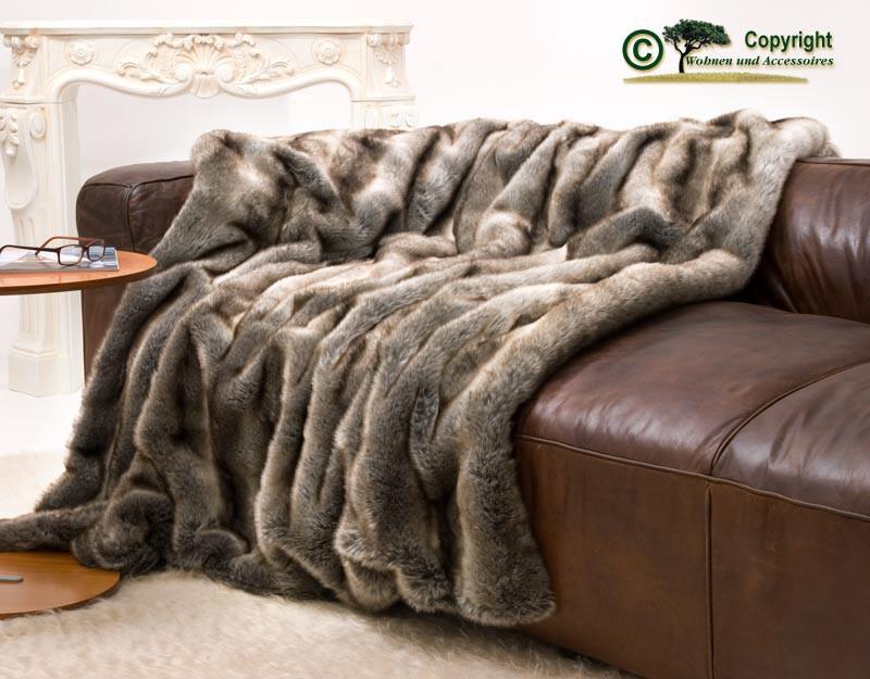 Felldecke (Fellimitatdecke) Wolf grau-braun in Übergröße 240x260cm