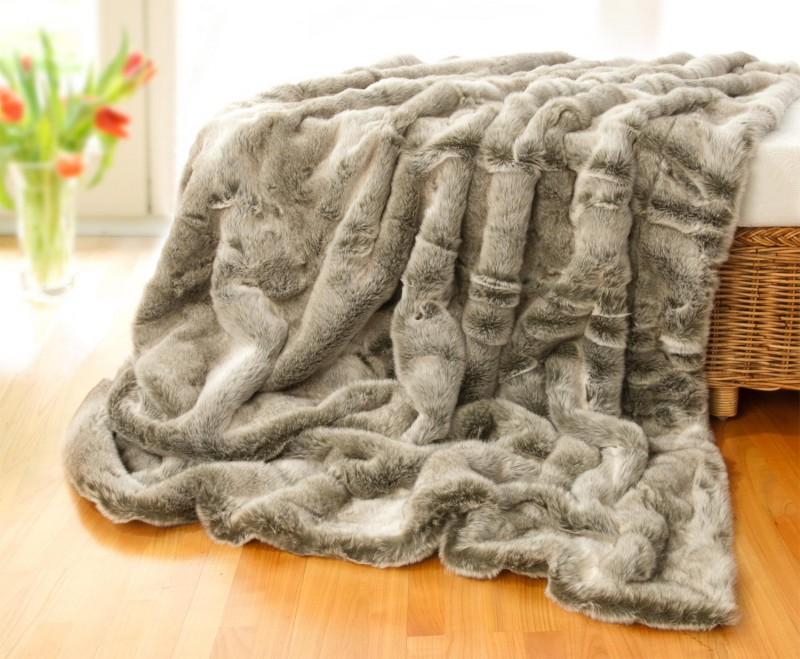 Felldecke (Fellimitatdecke) Grauwolf grau-beige in Übergröße 260x300cm