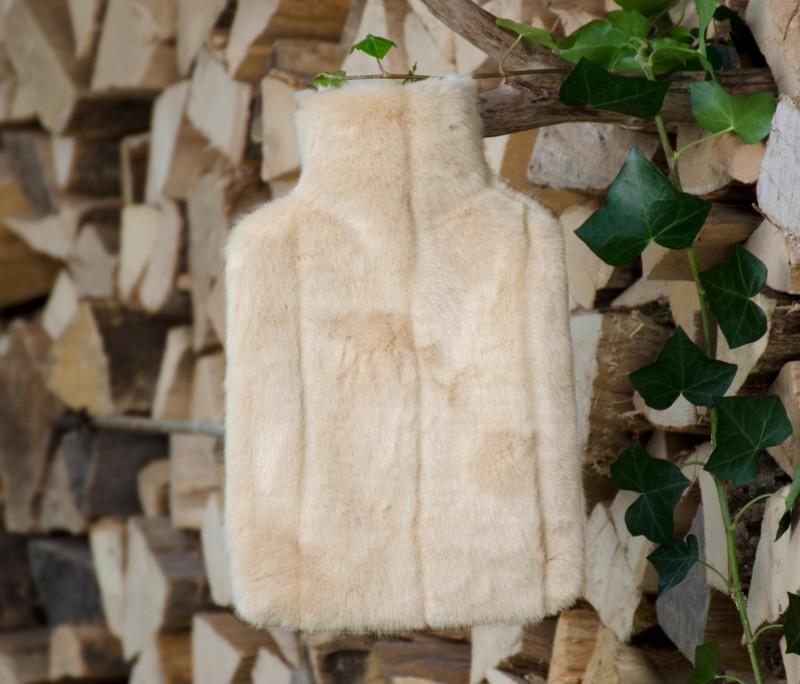 AKTION Wärmflaschenhülle aus Fell (Fellimitat) Nerz creme-beige mit Naturgummi Wärmflasche