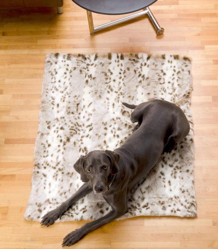 Felldecke aus Fellimitat, Hundedecke Schneeleopard 90x110cm