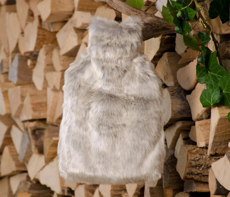 Wärmflaschenhülle aus Fell (Fellimitat) Silberfuchs mit Naturgummi Wärmflasche