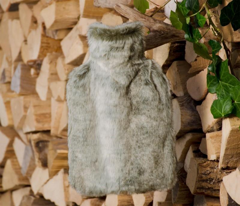 Wärmflaschenhülle aus Fell (Fellimitat) Grauwolf mit Naturgummi Wärmflasche