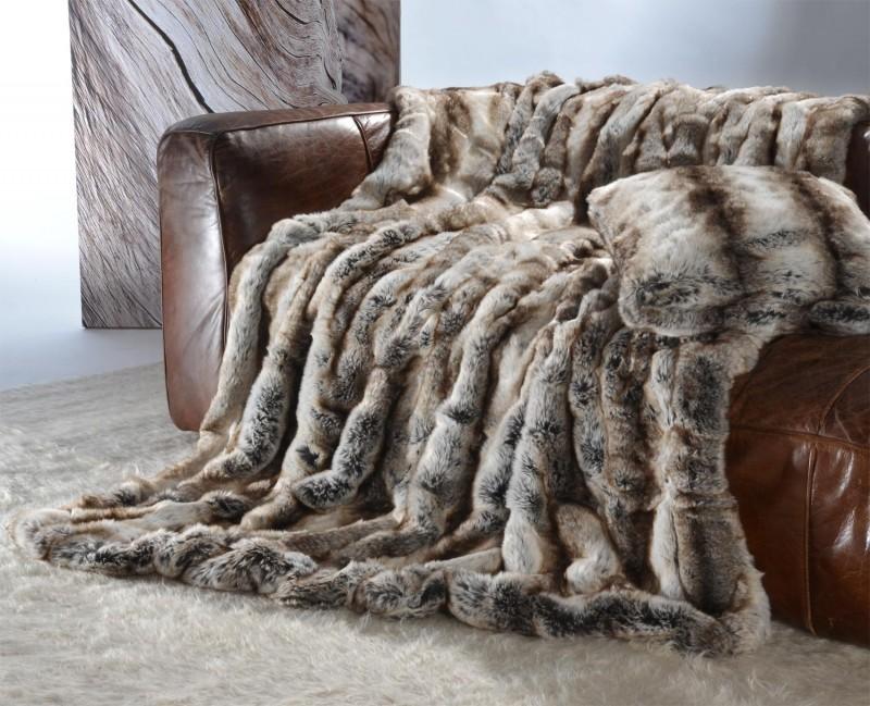 Felldecke (Fellimitatdecke) Wolf grau-braun in Übergröße 240x260cm - Premium superfein