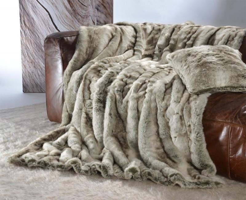Felldecke (Fellimitatdecke) Grauwolf grau-beige in Übergröße 260x300cm - Premium superfein