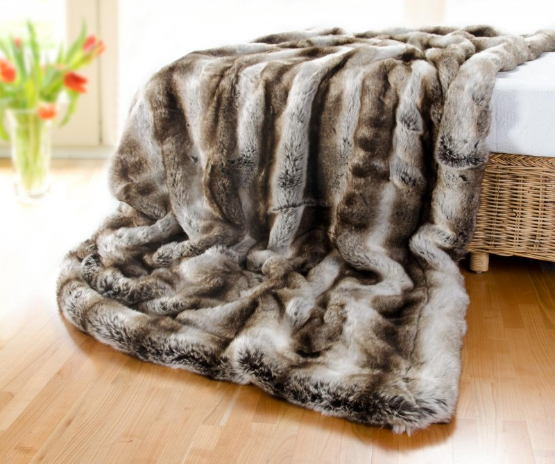 Felldecke (Fellimitatdecke) Wolf grau-braun in Übergröße 260x300cm