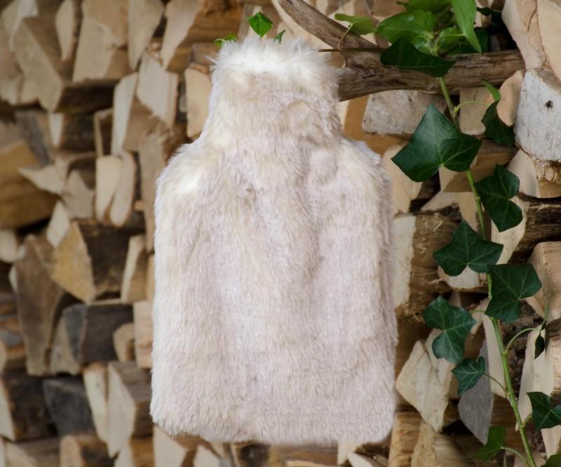 Wärmflaschenhülle aus Fell (Fellimitat) Polarwolf mit Naturgummi Wärmflasche - Premium superfein