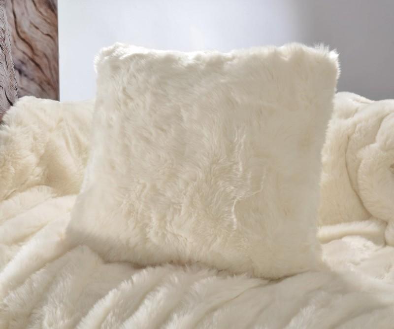 Fellkissen (Fellimitatkissen) Kaninchen creme-weiß in 45x45cm - Premium superfein