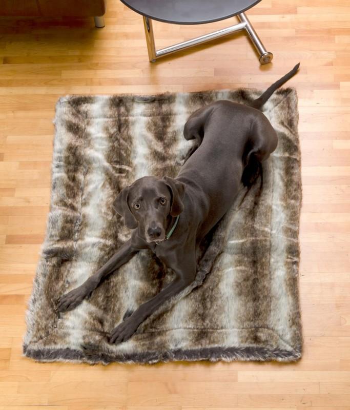 Felldecke aus Fellimitat, Hundedecke Wolf grau-braun 120x150cm